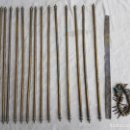 Antigüedades: GRAN LOTE BARRAS DE LATÓN PARA ALFOMBRA DE ESCALERA ZXY. Lote 140134906