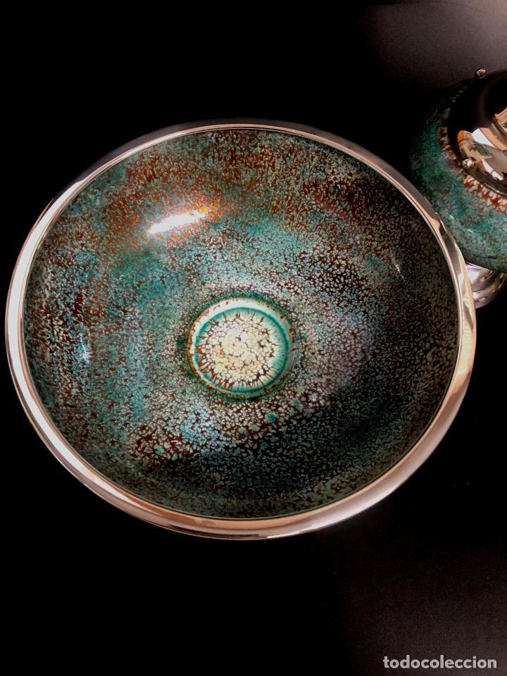 Antigüedades: BELLO AGUAMANIL O LAVAMANOS ESCLESIÁSTICO EN PLATA DE LEY Y ESMALTE SOBRE COBRE - AÑOS 70 - Foto 2 - 140143746