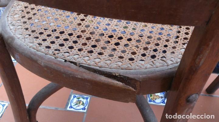 Antigüedades: 2 sillas estilo thonet de madera con rejilla - pequeña restauracion - madera sana - Foto 4 - 140149490