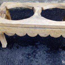 Antigüedades: CANTARERA ANTIGUA PARA 2 CÁNTAROS. Lote 140166902