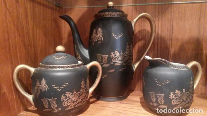 Antigüedades: JUEGO TE - CAFÉ JAPONES COMPLETO Y SIN ESTRENAR. NEGRO Y DORADO. SELLADO EIHO. - Foto 2 - 140174010