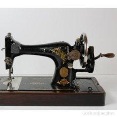 Antigüedades: ANTIGUA MÁQUINA DE COSER SINGER. Lote 140184642