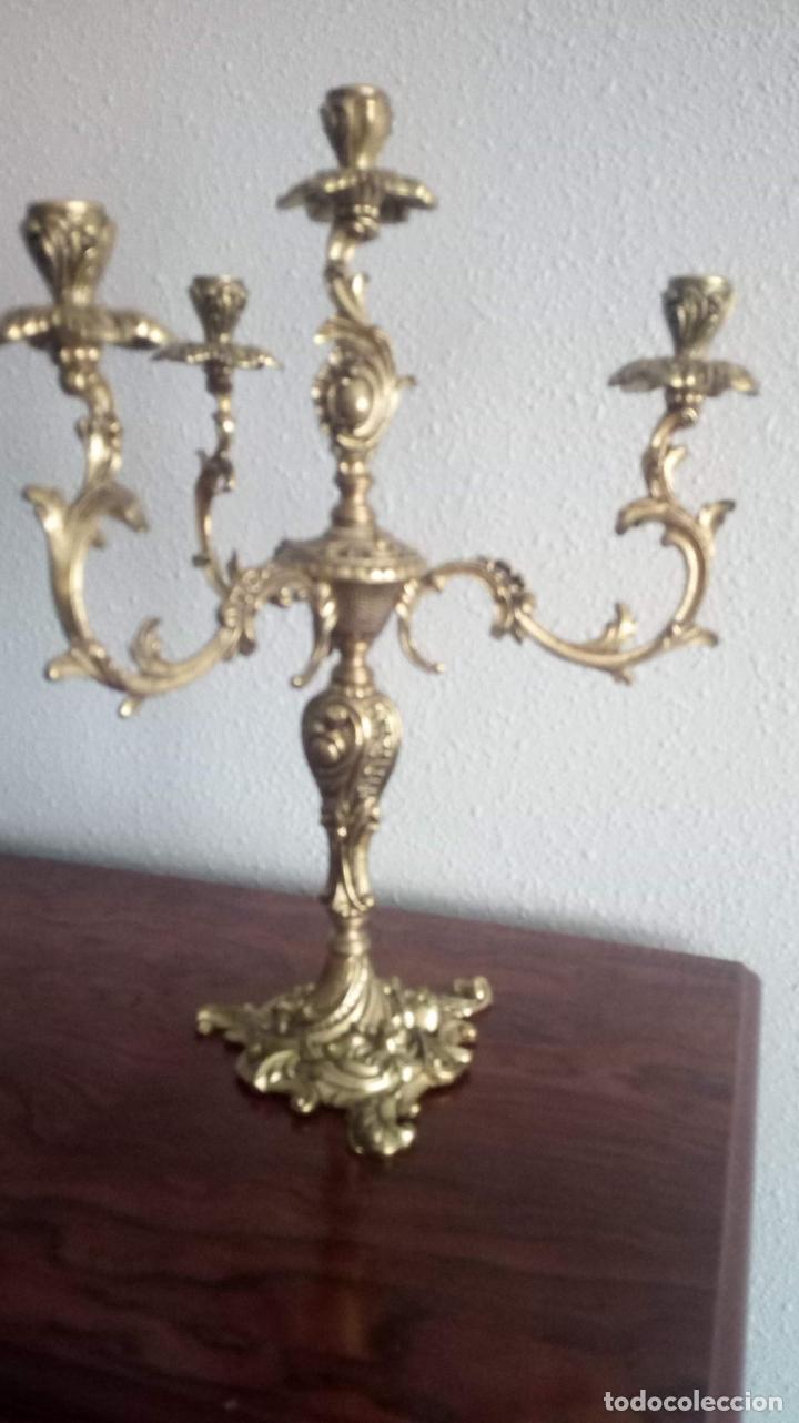 Antigüedades: PAREJA DE CANDELABROS DE BRONCE - Foto 5 - 140237758