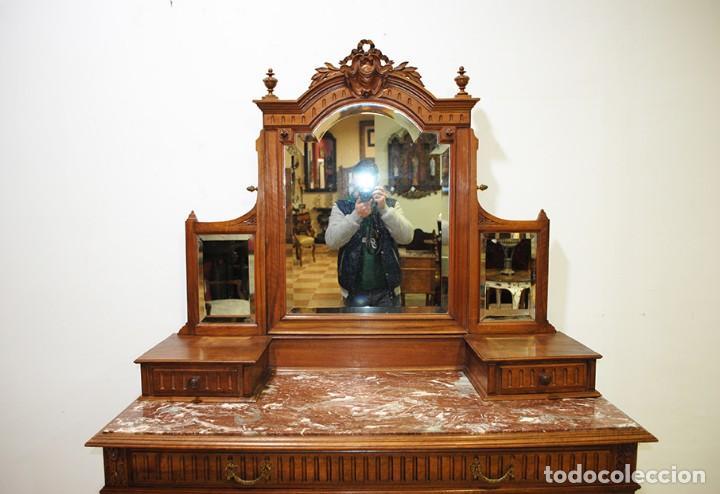 Antigüedades: ANTIGUA CÓMODA ISABELINA EN MADERA DE NOGAL TALLADA - Foto 2 - 140245430