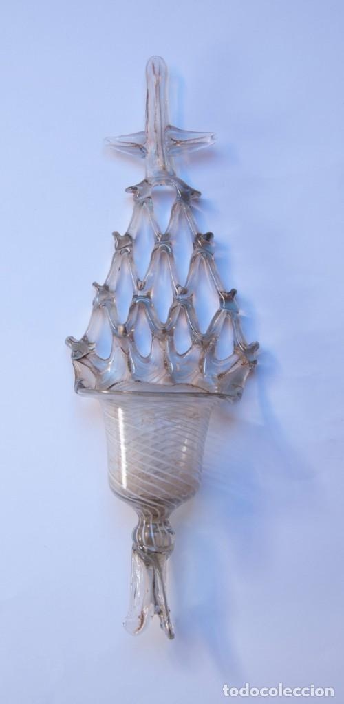 Antigüedades: V169.- ANTIGUA BENDITERA DE CRISTAL / VIDRIO SOPLADO CON LATICINIO. CATALUÑA. SIGLO XVIII - Foto 2 - 140288490
