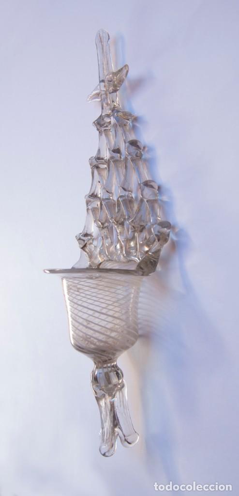 Antigüedades: V169.- ANTIGUA BENDITERA DE CRISTAL / VIDRIO SOPLADO CON LATICINIO. CATALUÑA. SIGLO XVIII - Foto 5 - 140288490