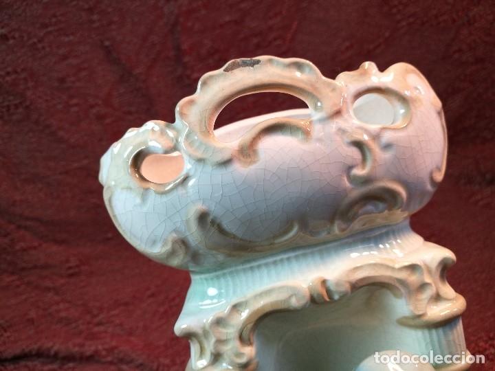 Antigüedades: JARRON ANTIGUO ROMANTICO FIGURA DE CABALLERO SIGLO XVII ESMALTADA - Foto 10 - 140323374