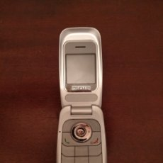 Segunda Mano: ANTIGUO TELÉFONO MÓVIL CON TAPA ABATIBLE MARCA ALCATEL.. Lote 140326736