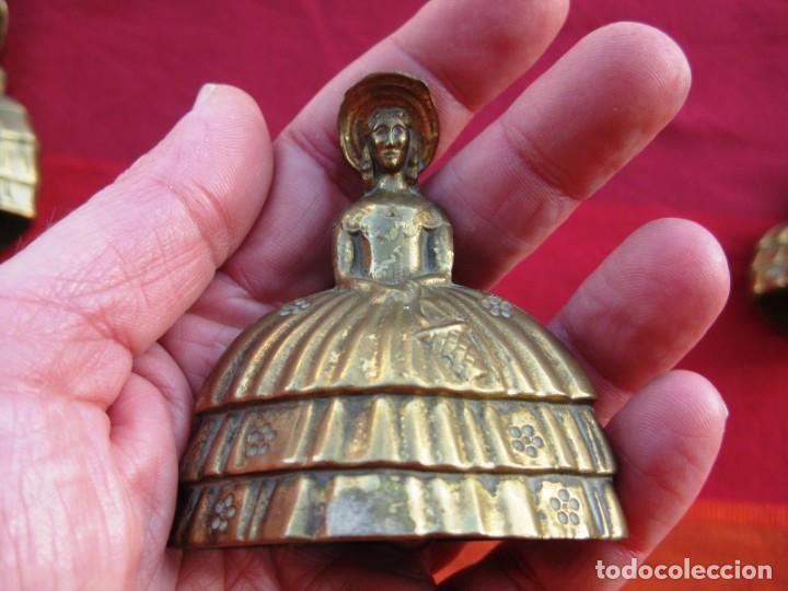 CAMPANA EN BRONCE DAMA INGLESA PEQUEÑA 150 GRS. Y 7 CMS DE ALTURA (Antigüedades - Hogar y Decoración - Campanas Antiguas)