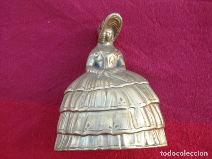 Antigüedades: CAMPANA EN BRONCE DAMA INGLESA GRANDE 600 grs. y 13 CMS DE ALTURA - Foto 2 - 140355098