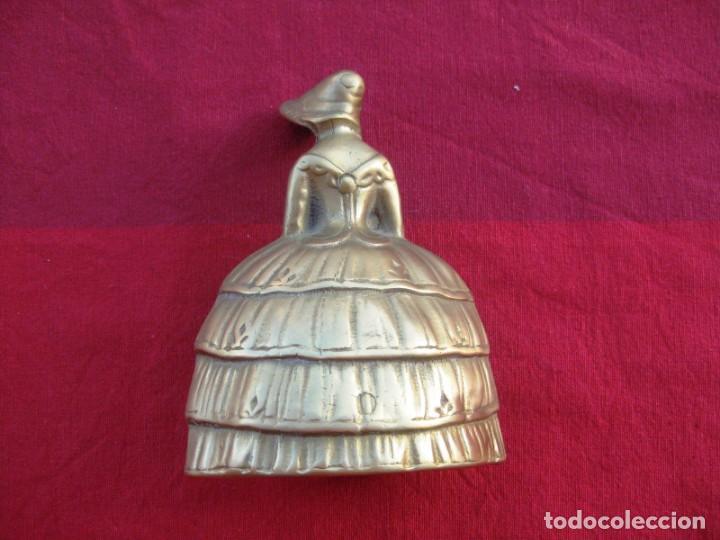 Antigüedades: CAMPANA EN BRONCE DAMA INGLESA GRANDE 600 grs. y 13 CMS DE ALTURA - Foto 5 - 140355098