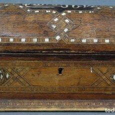 Antigüedades: CAJA JOYERO EN MADERA TARACEA EN HUESO GRANADA FINALES SIGLO XVIII. Lote 140365594