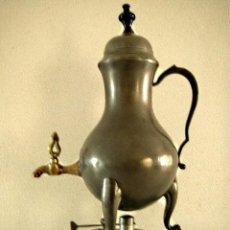 Antigüedades: JARRO DE ESTAÑO CON GRIFO DE LATÓN PARA CAFÉ. ANTIGUO DEL CICLO 19.. Lote 140382502