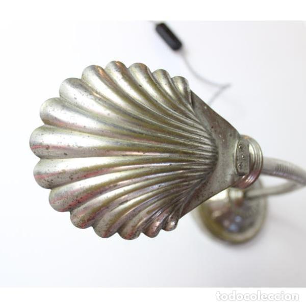 Antigüedades: Antigua lámpara flexo concha - Foto 3 - 140392442
