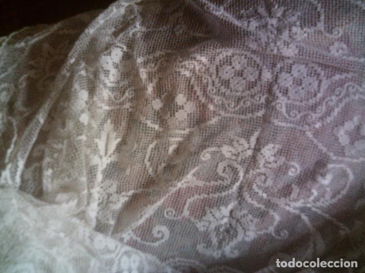Antigüedades: ~~~~ ESPECTACULAR COLCHA DE NOVIA DE ENCAJE DE RED, MITAD S.XX, MIDE 2,60 X 2,20 CM, PERFECTA ~~~~ - Foto 5 - 140419682