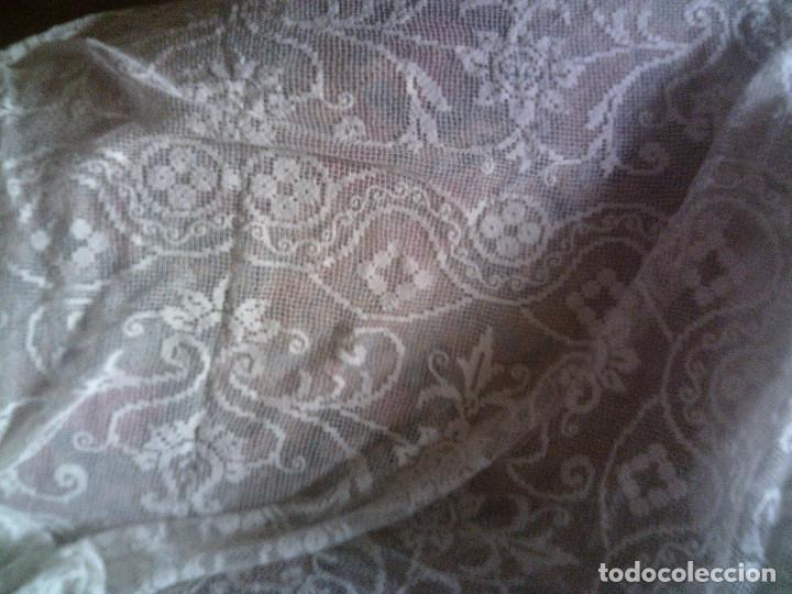 Antigüedades: ~~~~ ESPECTACULAR COLCHA DE NOVIA DE ENCAJE DE RED, MITAD S.XX, MIDE 2,60 X 2,20 CM, PERFECTA ~~~~ - Foto 10 - 140419682