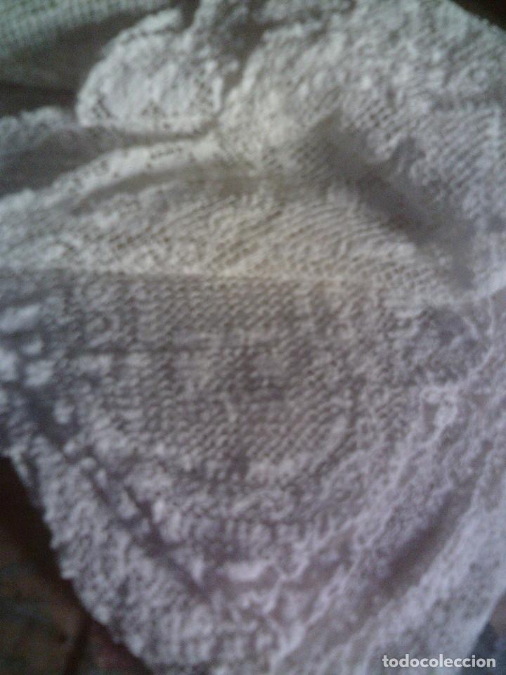 Antigüedades: ~~~~ ESPECTACULAR COLCHA DE NOVIA DE ENCAJE DE RED, MITAD S.XX, MIDE 2,60 X 2,20 CM, PERFECTA ~~~~ - Foto 13 - 140419682