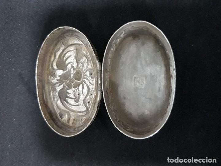 Antigüedades: Pastillero de plata labrado - Foto 3 - 140419690