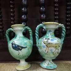 Antigüedades: PAREJA DE ANTIGUOS JARRONES DE CERAMICA DE PUENTE DEL ARZOBISPO. S.XIX. 18,5CM. Lote 140435718