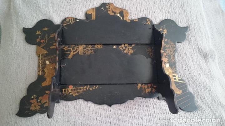 Antigüedades: ANTIGUA ESTANTERÍA EN MADERA LACADA PINTADA A MANO Y ESGRAFIADO CON FIGURAS CHINA JAPÓN - PLEGABLE - Foto 6 - 140439454