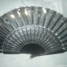 Antigüedades: PRECIOSO Y BRILLANTE ABANICO DE 1870 A 1890 APROX..... Lote 140447436