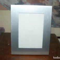 Antigüedades: MARCO DE FOTOS METAL PLATEADO .. Lote 140465314