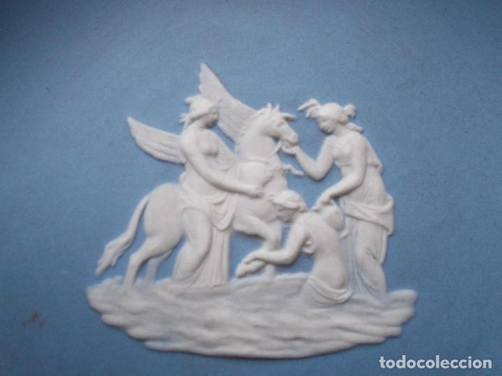 Antigüedades: PEQUEÑA BANDEJA DECORATIVA EN PORCELANA INGLESA WEDGWOOD. SELLADA EN LA BASE. - Foto 7 - 140475382