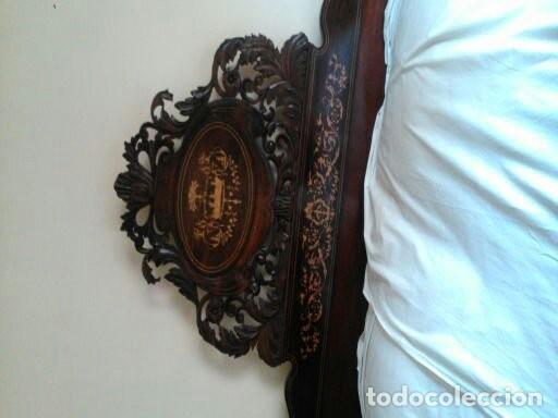 Antigüedades: Excepcional cama antigua repleta de marquetería con gran rosetón de un metro y medio de ancho - Foto 3 - 140481318