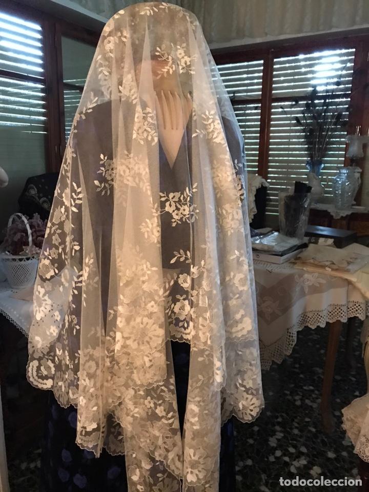 MANTILLA SEDA NATURAL (Antigüedades - Moda y Complementos - Mujer)