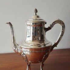 Antigüedades: CAFETERA FRANCESA EN PLATA. SIGLO XIX. 813 GRAMOS.. Lote 140511554