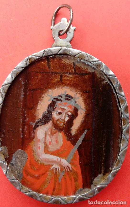 Antigüedades: RELICARIO DE PLATA SIGLO XVIII, CON ÓLEO BAJO CRISTAL DE VIRGEN DEL CARMEN Y ECCE HOMO. 7.5X5 CMS - Foto 5 - 140532042