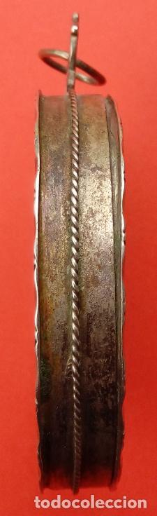 Antigüedades: RELICARIO DE PLATA SIGLO XVIII, CON ÓLEO BAJO CRISTAL DE VIRGEN DEL CARMEN Y ECCE HOMO. 7.5X5 CMS - Foto 6 - 140532042