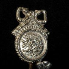 Antigüedades: ANTIGUO ALZAPAÑOS. SUJETA CORTINAS. METAL CROMADO. 8,5X5 CM. (6). Lote 140554914