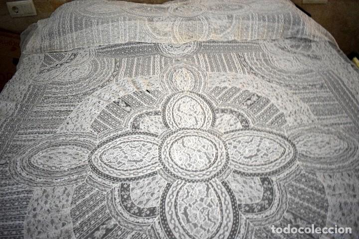 Antigüedades: Colcha antigua encaje valenciennes y alençon modernismo / art decó novia. compatible cama 150 - Foto 2 - 127933551