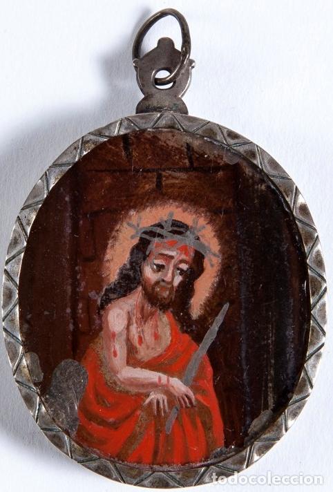 Antigüedades: RELICARIO DE PLATA SIGLO XVIII, CON ÓLEO BAJO CRISTAL DE VIRGEN DEL CARMEN Y ECCE HOMO. 7.5X5 CMS - Foto 7 - 140532042