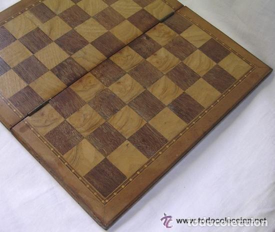 Antigüedades: TABLERO DE VIAJE PARA AJEDREZ O DAMAS - MADERAS NOBLES - MUY ANTIGUO - PRINCIPIOS SIGLO XX - Foto 9 - 173994467