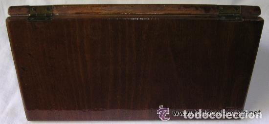 Antigüedades: TABLERO DE VIAJE PARA AJEDREZ O DAMAS - MADERAS NOBLES - MUY ANTIGUO - PRINCIPIOS SIGLO XX - Foto 17 - 173994467