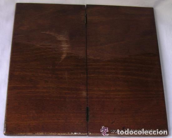 Antigüedades: TABLERO DE VIAJE PARA AJEDREZ O DAMAS - MADERAS NOBLES - MUY ANTIGUO - PRINCIPIOS SIGLO XX - Foto 19 - 173994467