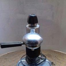 Antigüedades: ANTIGUA CAFETERA ELÉCTRICA MARCA MAGEFESA, ELECTRO CAFETERA EXPRESS.. Lote 140595756