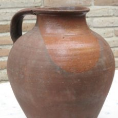 Antigüedades: CANTARO GRANDE ANTIGUO DE UN ASA -VIDRIADO EN EL INTERIOR.. Lote 140597990
