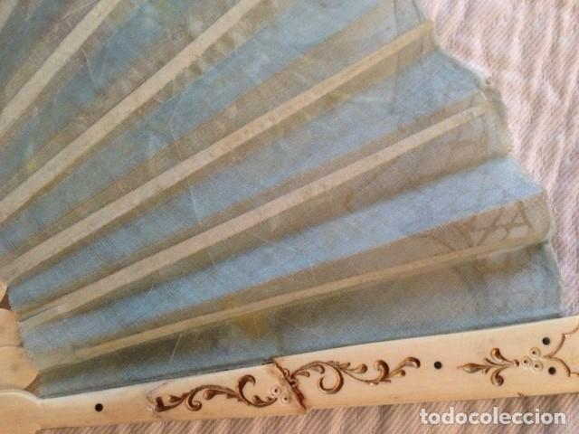Antigüedades: ABANICO DE MARFIL DE FINALES DEL S. XIX PINTADO A MANO CON ESCENAS FLORALES y LENTEJUELAS - Foto 7 - 140614030