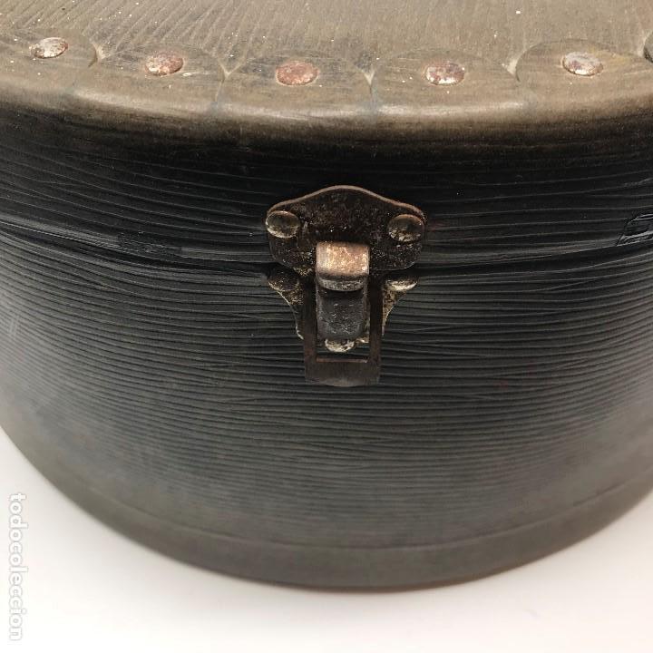 Antigüedades: Sombrerera de viaje antiguo - Foto 17 - 140623914