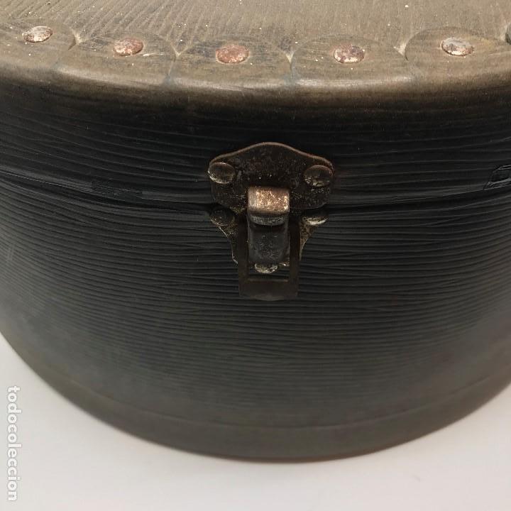 Antigüedades: Sombrerera de viaje antiguo - Foto 18 - 140623914