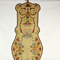 Antigüedades: T8 PRECIOSO PANEL O CAMINO BORDADO A MANO S XIX ART NOUVEAU MODERNISTA HILOS DE ORO. Lote 140697470