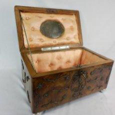 Antigüedades: GRAN CAJA DE MADERA Y FILIGRANA DE PLATA. COFFRET DE TOCADOR, CAJA DE NOVIA FINES S XIX. Lote 140698810