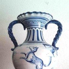 Antigüedades: GRAN JARRÓN ÁNFORA. CERAMICA DE TALAVERA. 43 CM. Lote 140715202