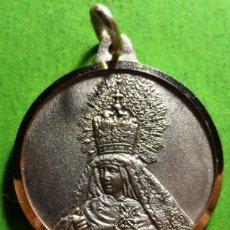 Antiquités: MEDALLA DEL 50ª ANIVERSARIO DE LA VIRGEN DE LA VICTORIA, HUELVA, 1940-1990.28 MM 7,4 GRS. PLATA. Lote 140767930