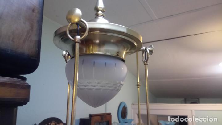 Antigüedades: Antigua lámpara Modernista de latón y tulipas de cristal tallado a mano de los años 20-30 - Foto 3 - 140809566
