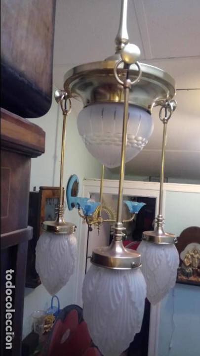 Antigüedades: Antigua lámpara Modernista de latón y tulipas de cristal tallado a mano de los años 20-30 - Foto 8 - 140809566