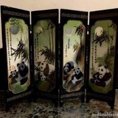 Antigüedades: BIOMBO EN LACA CHINA CON ESCENAS DE PANDAS.. Lote 140816746